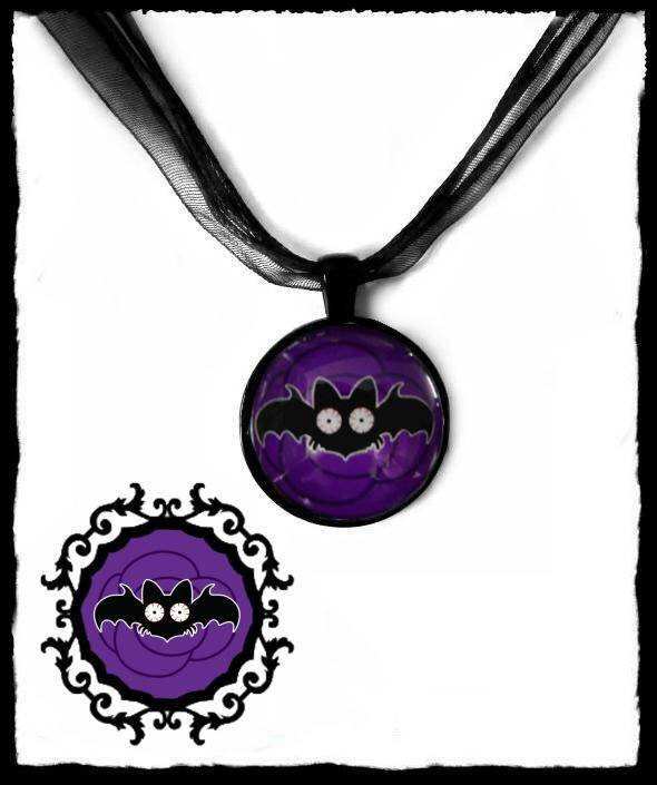 Necklace round Purple Rose Batty