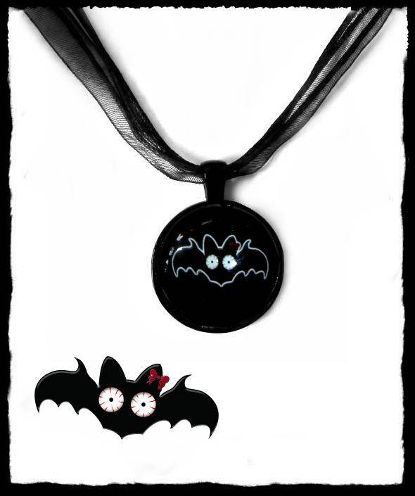 Necklace round Black Batty