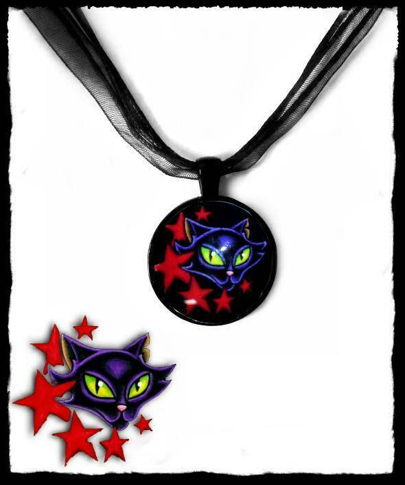 Necklace round Cat