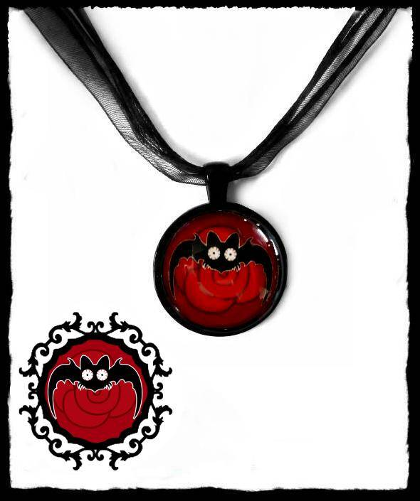 Necklace round Long wing Red Rose Batty