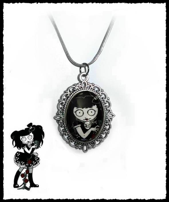 Necklace Deadly Diva