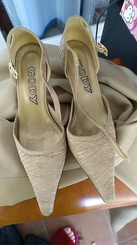 Golden evening heels from Gody Spanish  vintage shoes