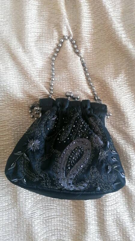 So cute  black 80´s little evening bag of silk and embroideries