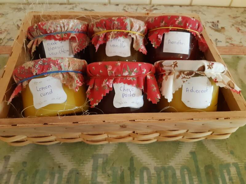 Geschenkmand home made products