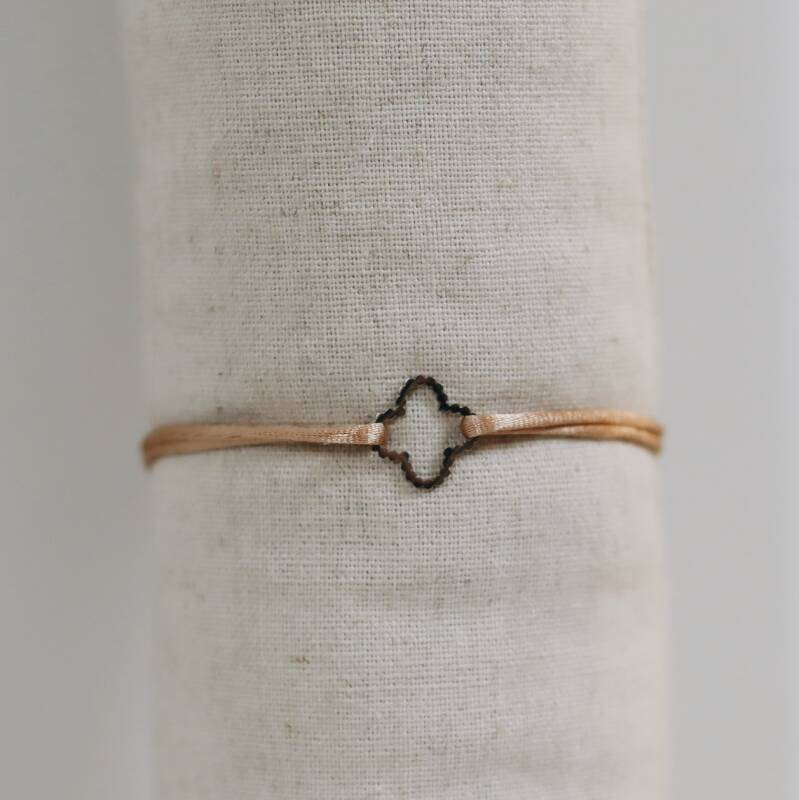 Satin bracelet with silver clover (more colors)