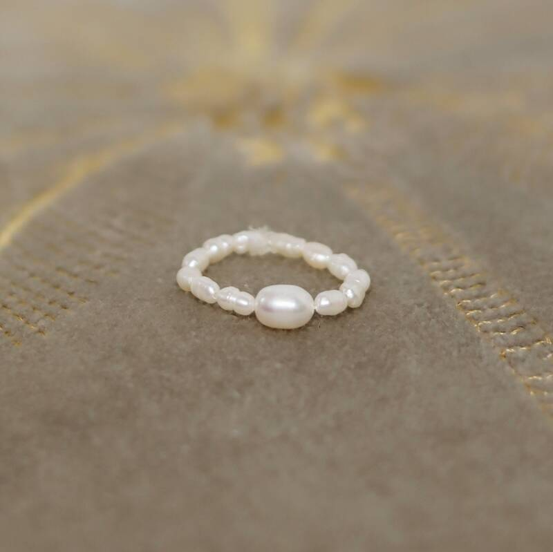 Pearly pearl ring