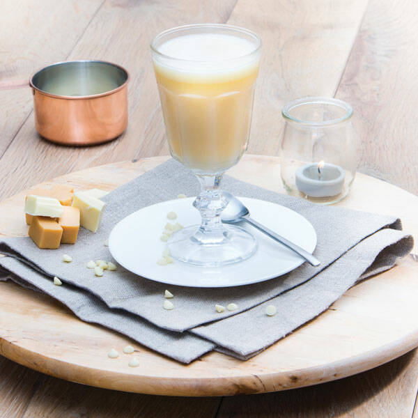Warme Witte Chocolade-Karamel Drank Power Slim