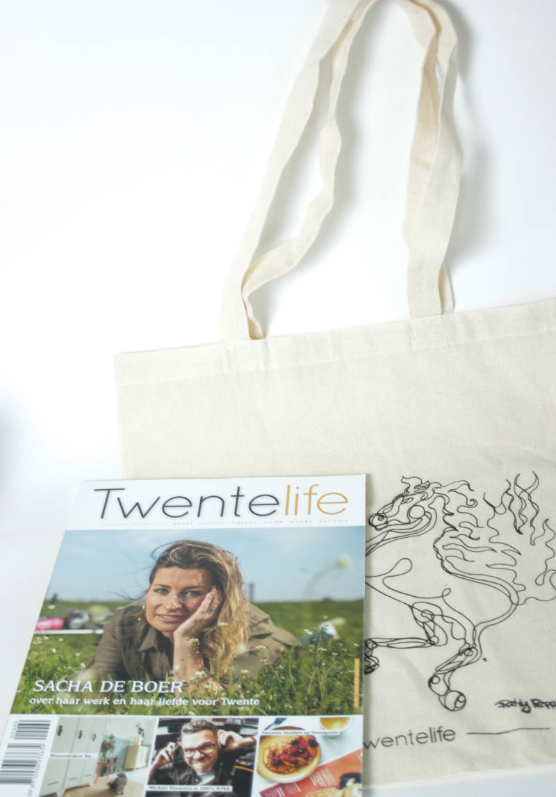 Twente Life Set: Cotton bag + Twente Life Magazine