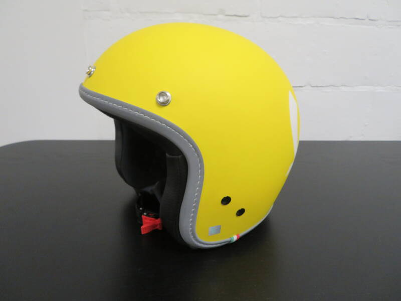 Vespa Color Helm Geel