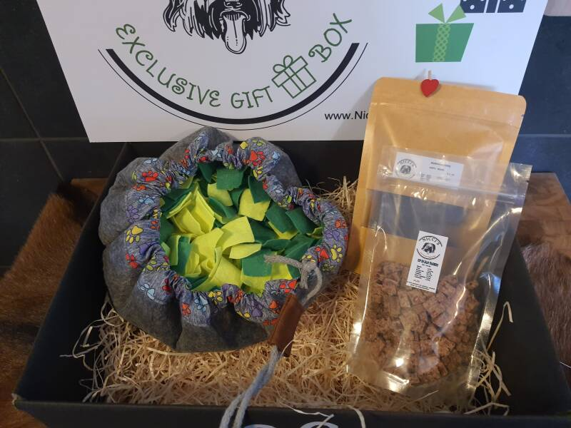 The Wufsalat with natural snacks Giftbox