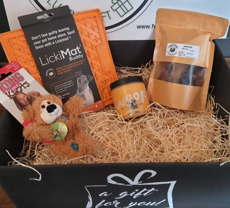 The little bear with lickymat Giftbox