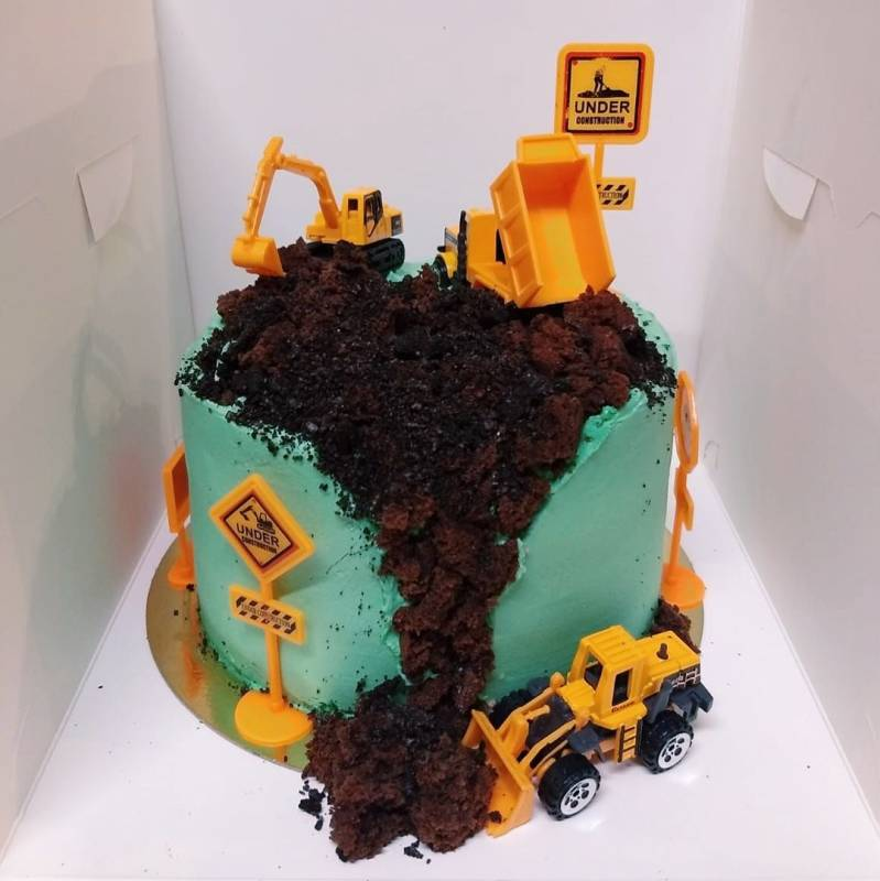 Contruction Cake