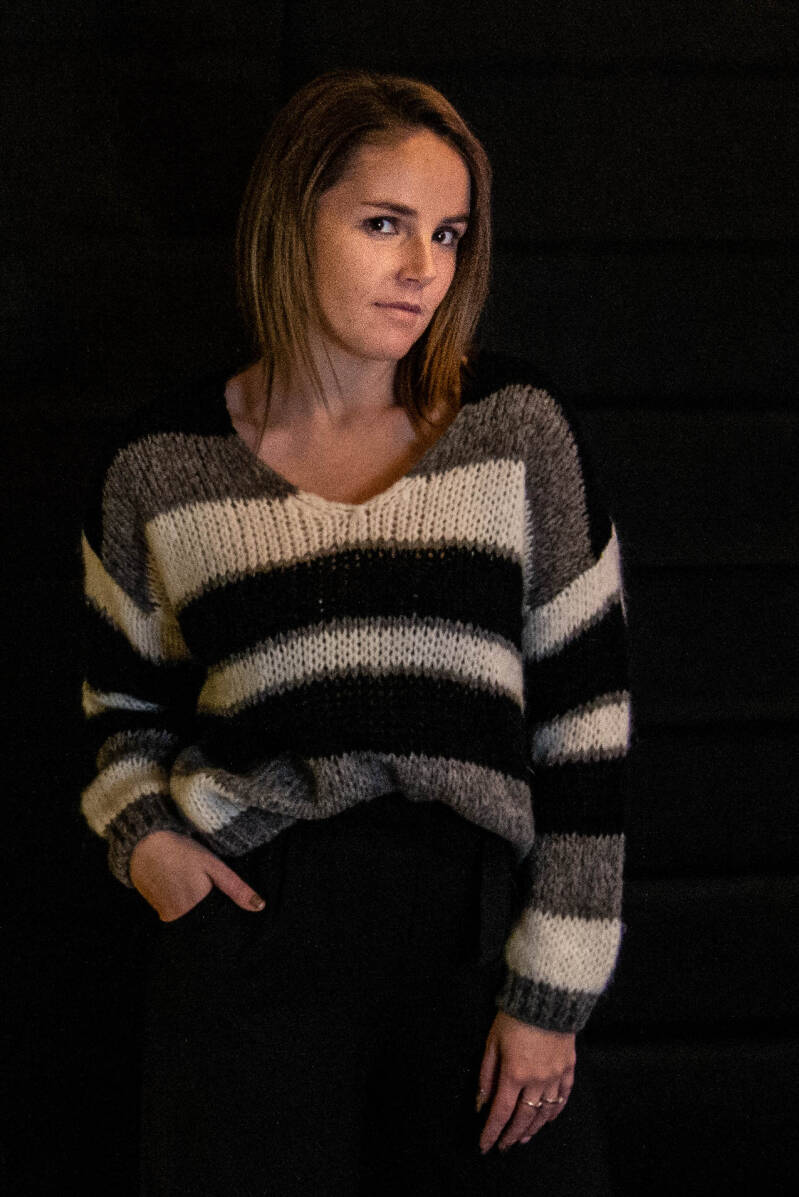 3 color knitted pull : black , Grey