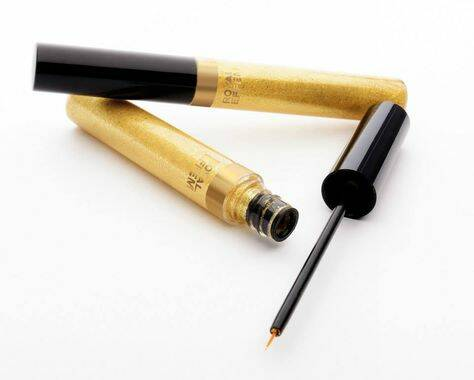 Royal Effem beautiful sparkling eyeliner