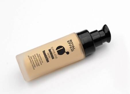 Superlative luminous foundation