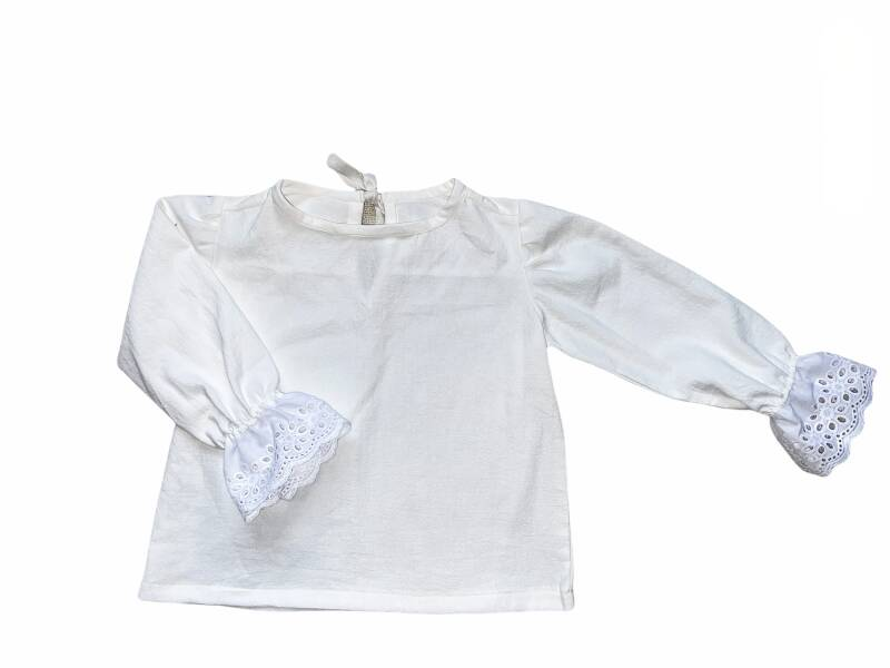 Embroderie Sleeve Top
