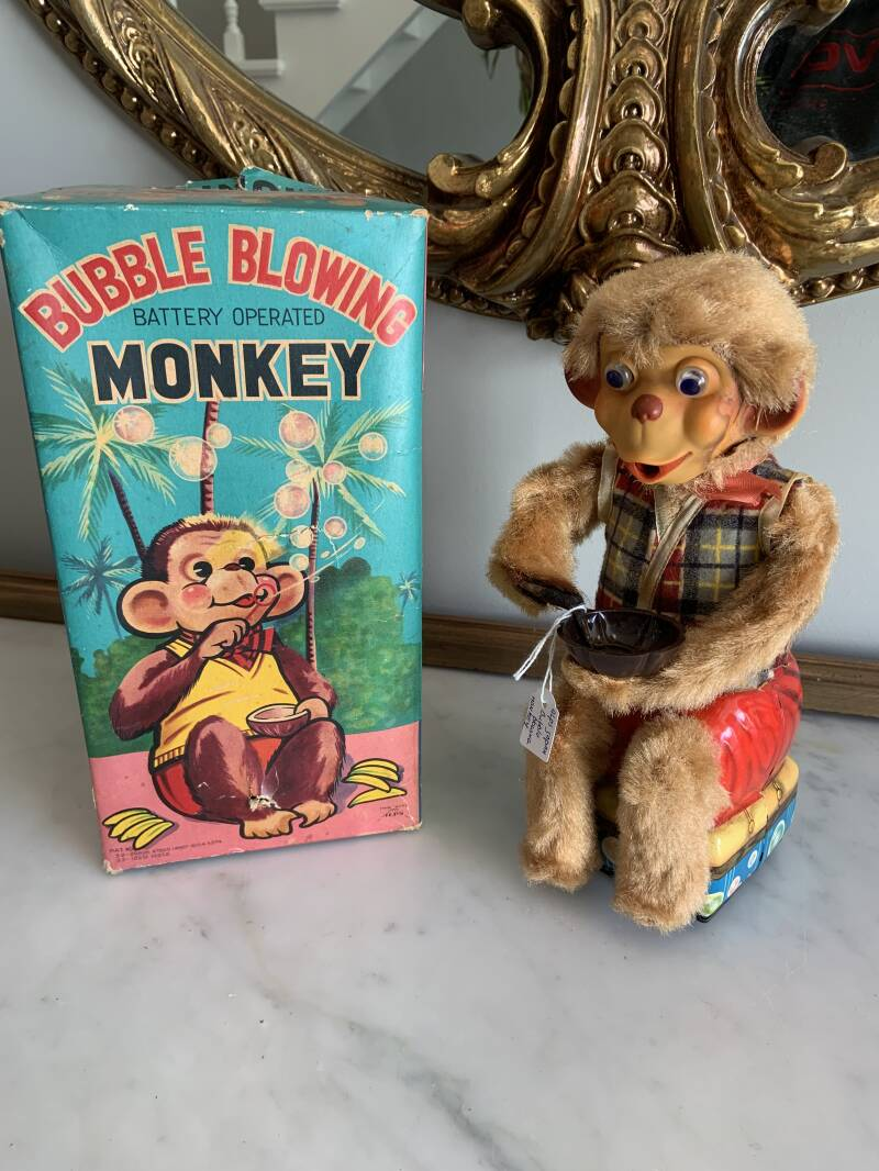 Alps Bubble Blowing Monkey