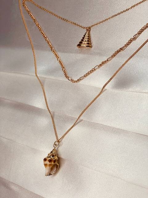 Layerd Necklace Shell Gold