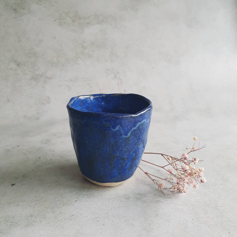 Pinch cup