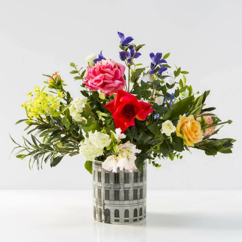 Houses vase 15 cm with flower arrangement