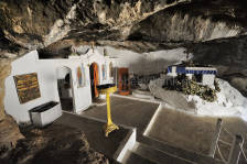 Milatos_Cave_007.jpg