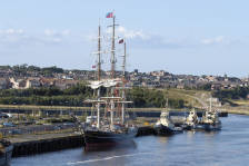 newcastle_port_002.jpg