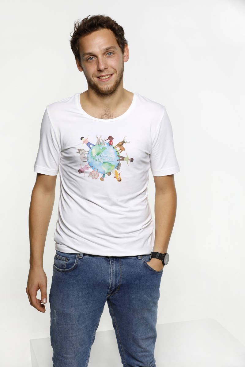 Unisex T-shirt - Be kind to every kind