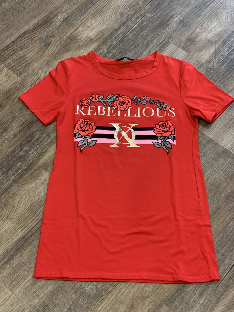 Rebellious rood T-shirt