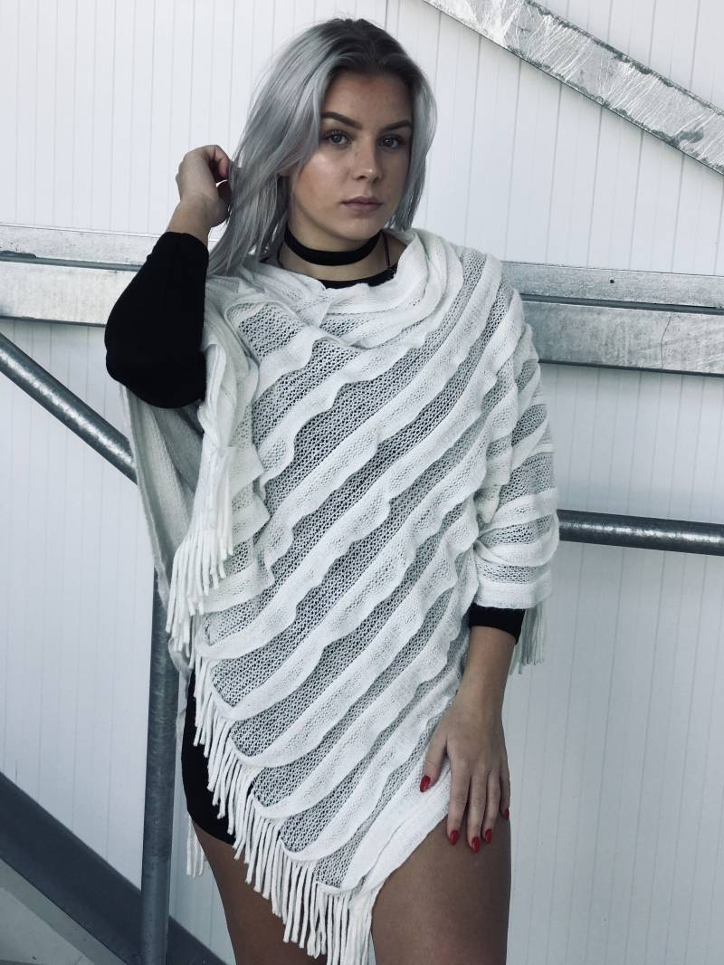 Witte poncho