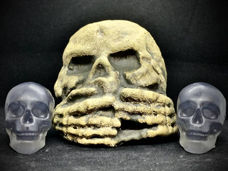 Woodsmoke and Leather Skull Soap - Natural, Vegan 30g - Handcrafted