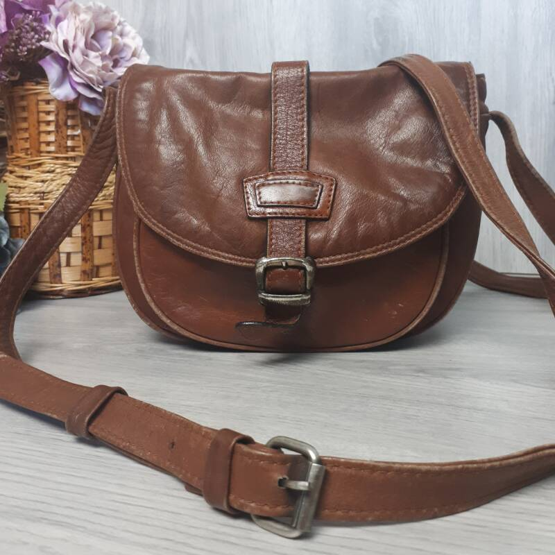 Vintage Handbag |  The Brown Satchel
