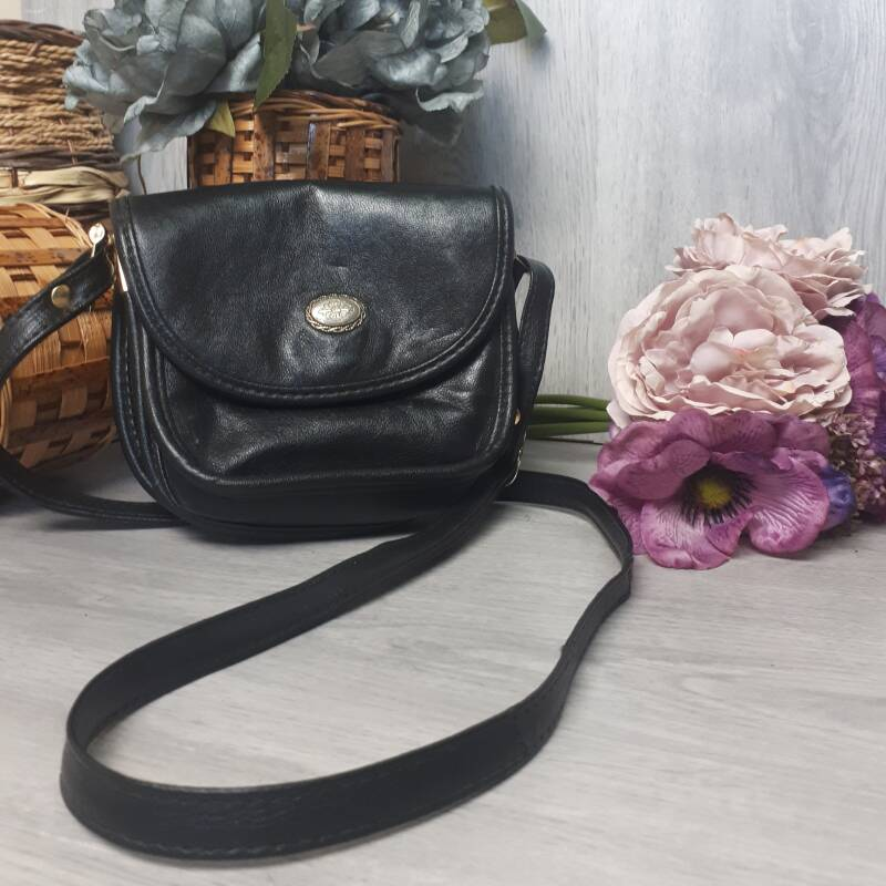 Vintage Handbag | Small Black bag with button