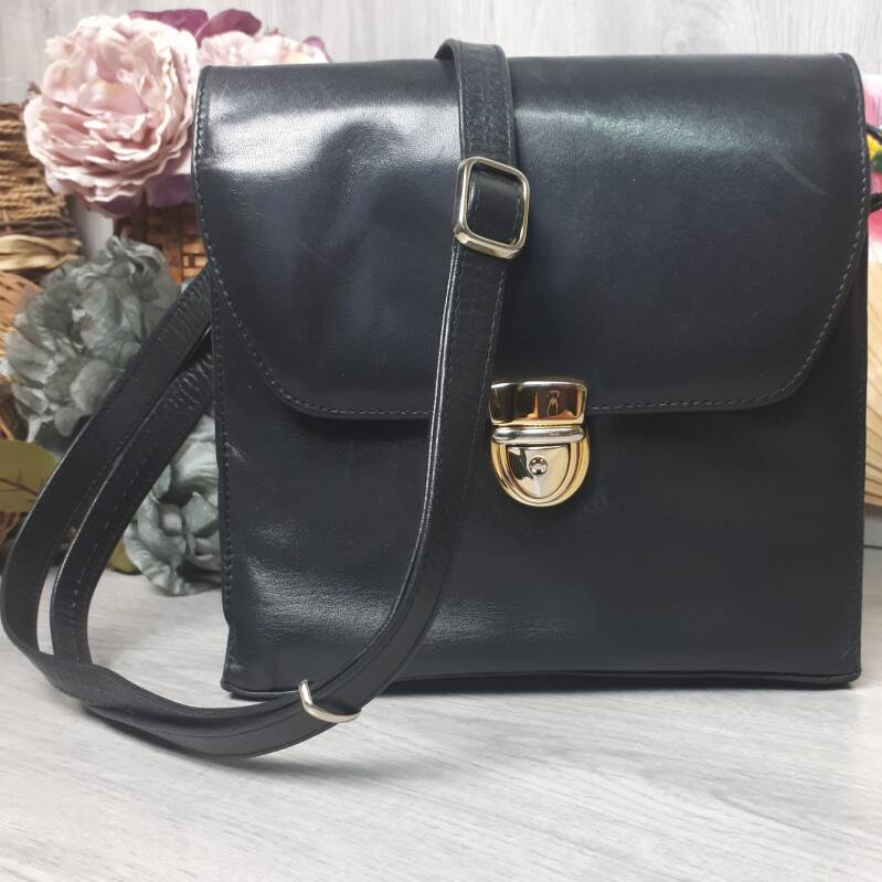 Vintage Handbag | Black Clip Bag