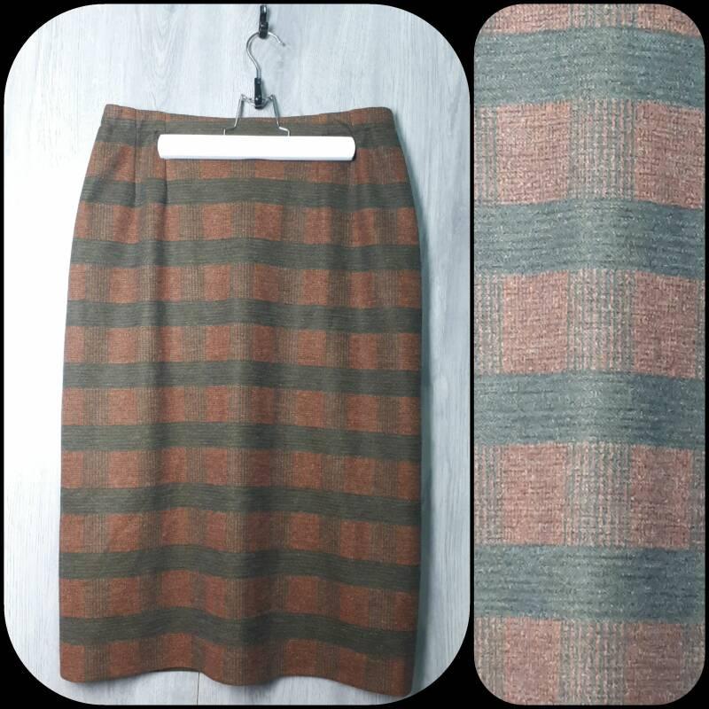 Vintage Skirt |Protect the Queen